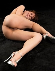 Saori Hirako posing naked in her high heels after a sensational footjob session