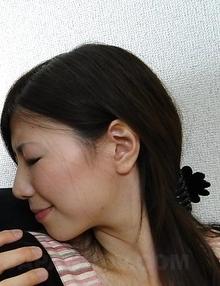 Mizuho Yamashiro sucks cock and has hairy