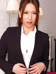 Ai Sayama takes office suit off and shows leering curves